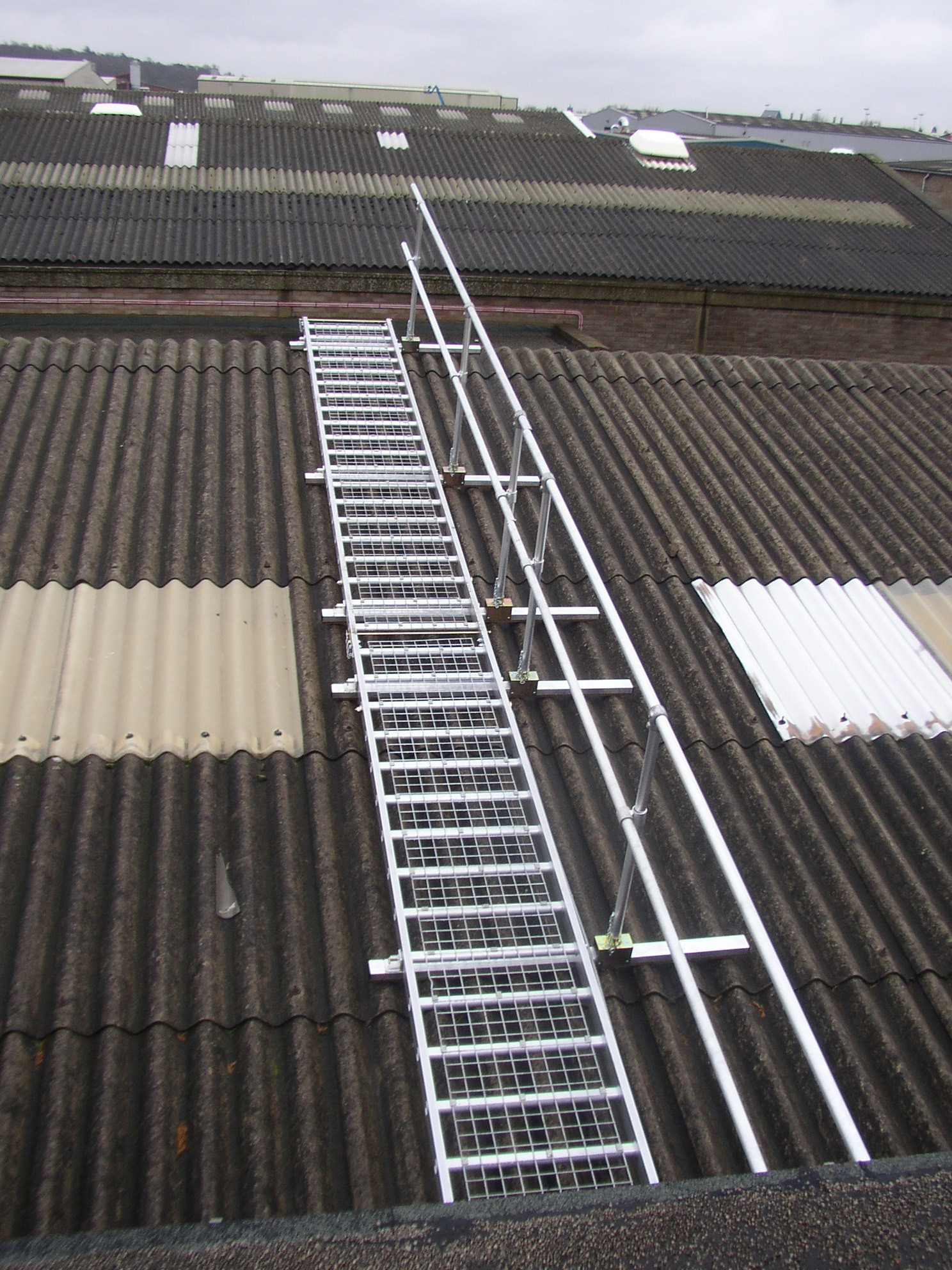 Roof Walk Boards : Board walk roof access equipment and edge protection