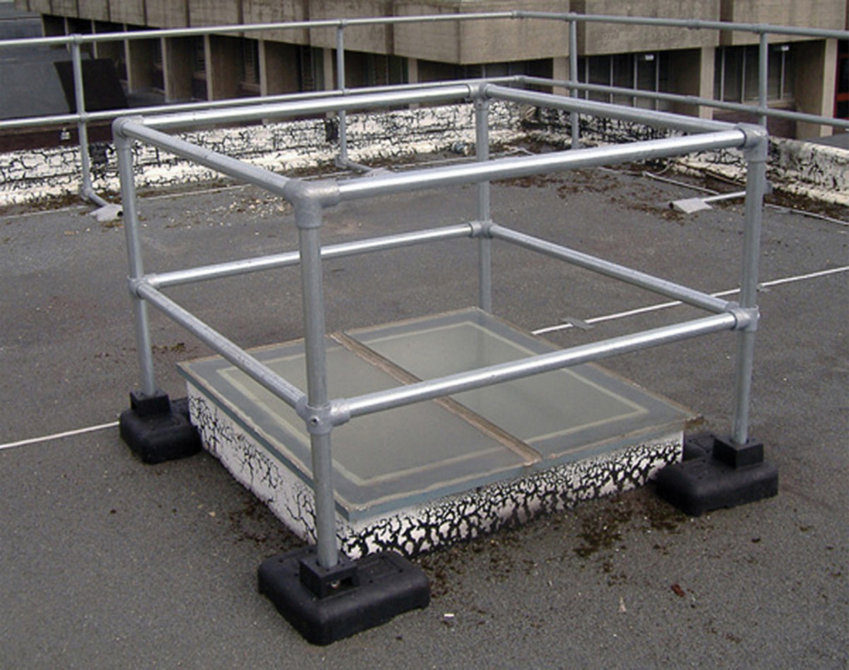 Freestanding hatch covers