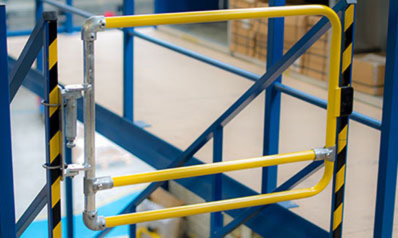 Industrial self closing safety gates: Single
