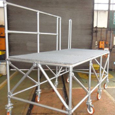 Undercarriage mobile work platform