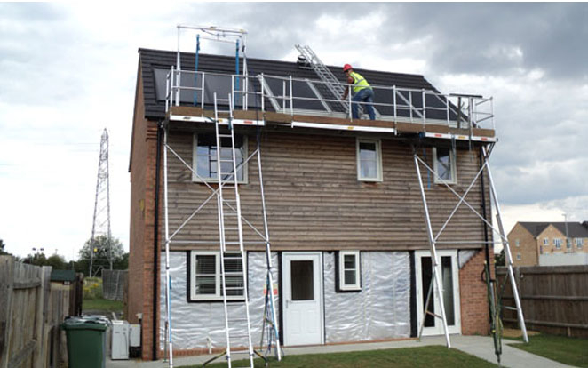 Scaffolding versus platforms for solar installation