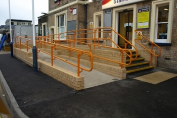 accessible handrail for stations
