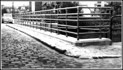 Kee Klamp handrail