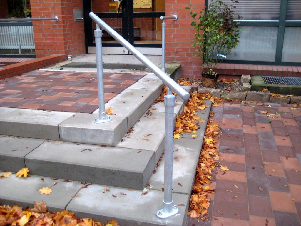 Handrail for schools